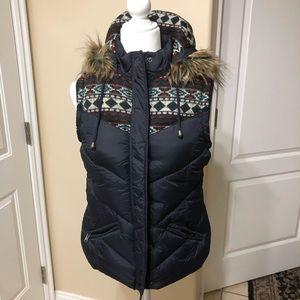 Coat. Parka   Forever 21.  Size M